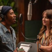 4145_D004_00127_RCKelvin Harrison Jr. stars as David Cliff and Dakota Johnson as Maggie Sherwoode in THE HIGH NOTE, a Focus Features release.  Credit: Glen Wilson / Focus Features