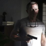 B25_02653_RJames Bond (Daniel Craig) suspects an intruder in his Jamaican home inNO TIME TO DIE, a DANJAQ and Metro Goldwyn Mayer Pictures film.Credit: Nicola Dove© 2019 DANJAQ, LLC AND MGM.  ALL RIGHTS RESERVED.
