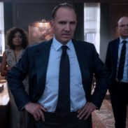 B25_17531_RC2M (Ralph Fiennes), Moneypenny (Naomie Harris) and Tanner (Rory Kinnear) in a tense moment in M's office in NO TIME TO DIE, a DANJAQ and Metro Goldwyn Mayer Pictures film.Credit: Nicola Dove© 2019 DANJAQ, LLC AND MGM.  ALL RIGHTS RESERVED.